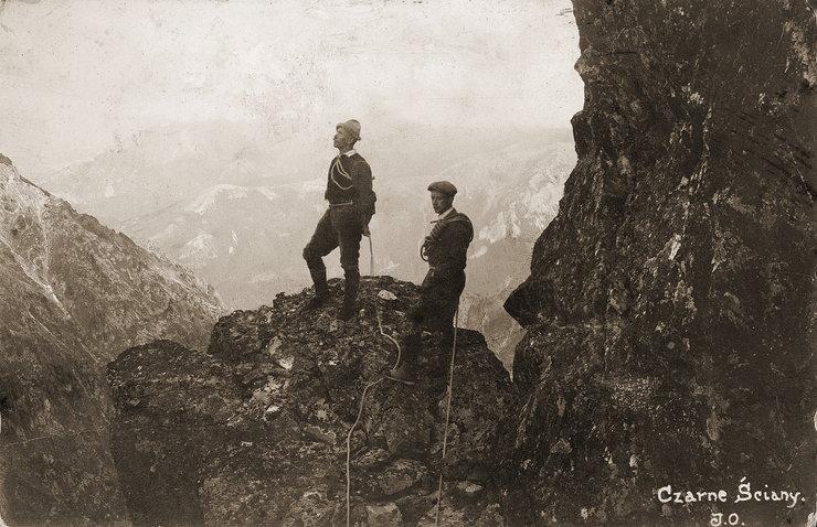 Wspinaczka górska - zdjęcie ze zbiorów Muzeum Tatrzańskiego