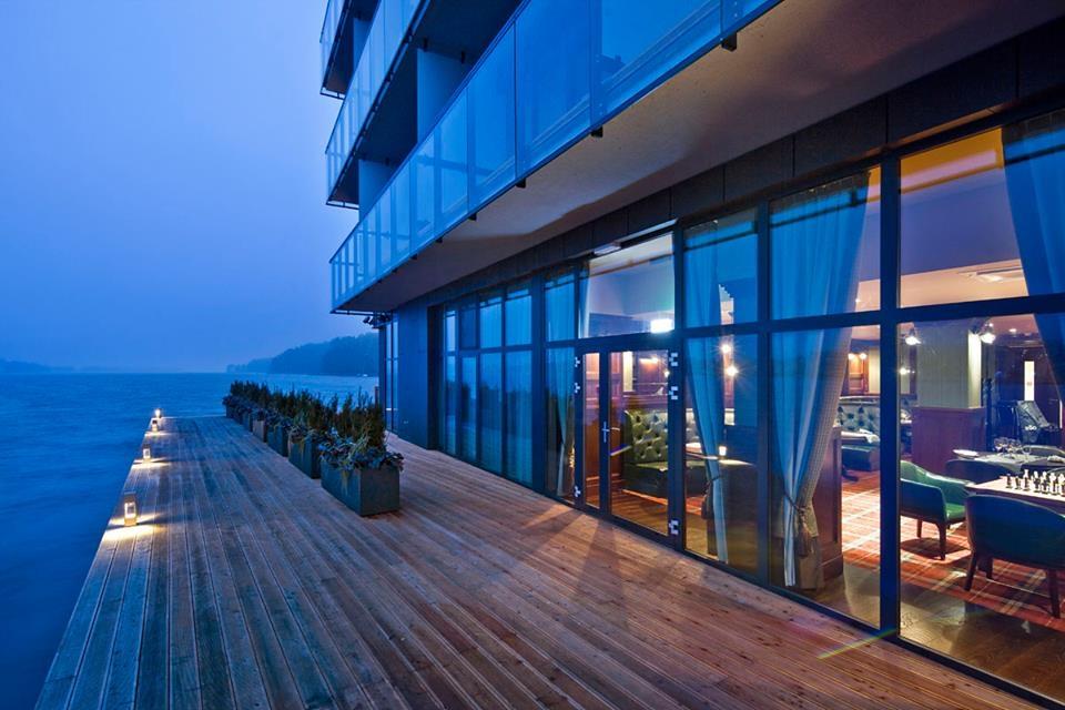 Restauracje hotelowe - New Island Pub