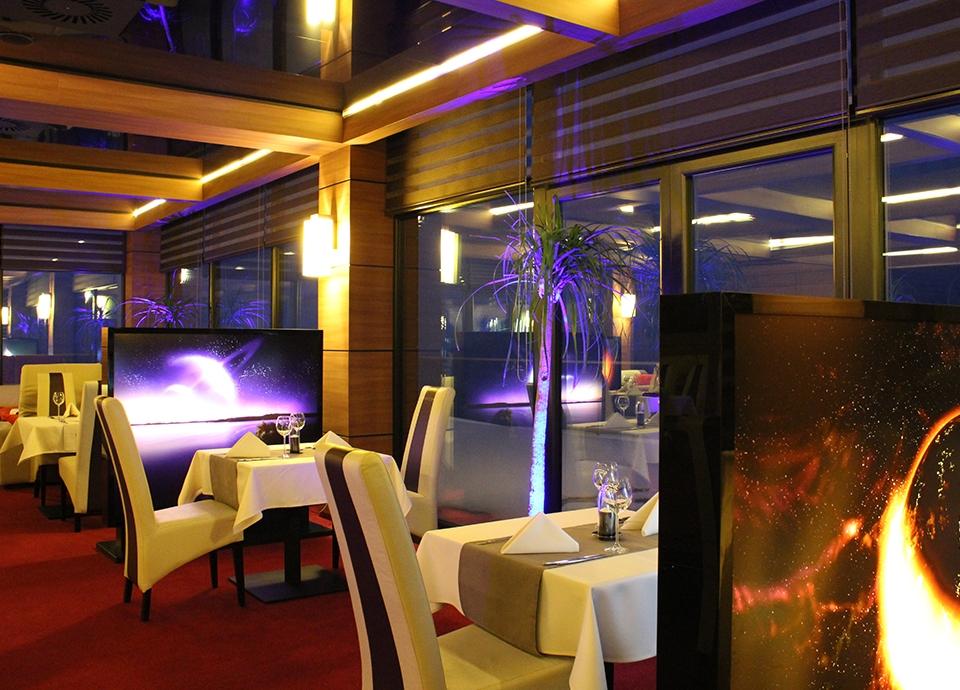 Restauracje hotelowe - Space Odyssey