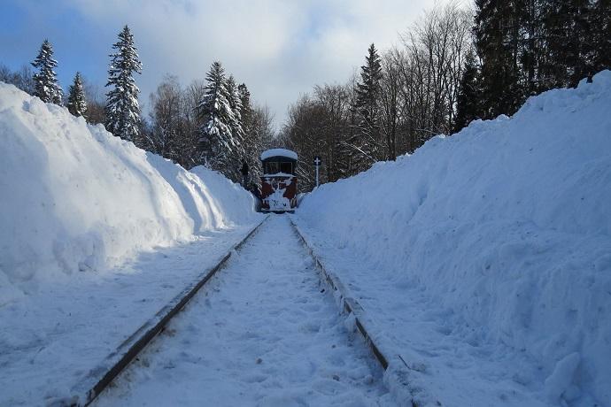 Zimowe atrakcje dla dzieci - Bieszczadzka Kolejka Leśna