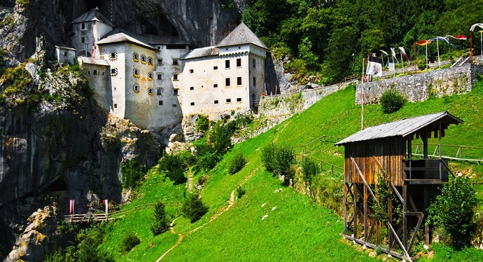 Słowenia - Predjamski Grad
