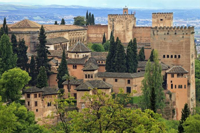 Najpiękniejsze pałace w Europie - Alhambra