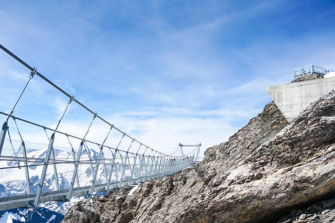 Spacery w chmurach - Titlis Cliff Walk