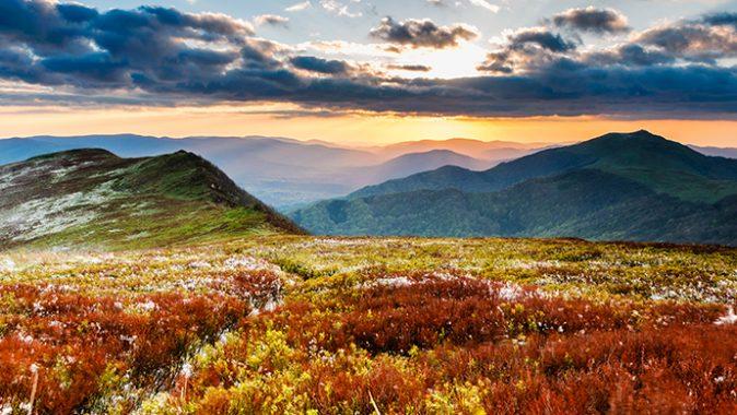 Magiczne Bieszczady: TOP 10 ciekawych miejsc i atrakcji