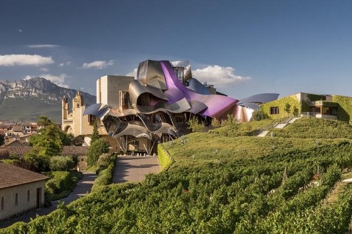 Najdziwniejsze hotele na świecie - Marques de Riscal Hotel, Hiszpania