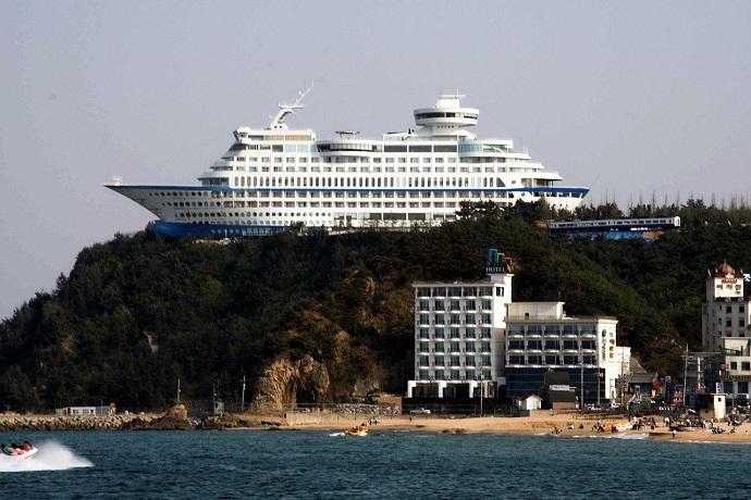 Najdziwniejsze hotele na świecie - Sun Cruise Resort, Korea Południowa
