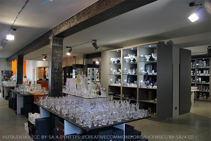 Największe atrakcje Karkonoszy - Huta szkła Julia