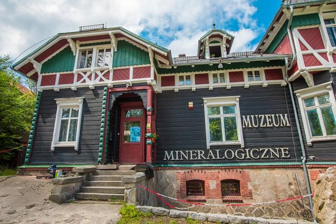 Poznaj Polskę z Travelist: Karkonosze - Muzeum Mineralogiczne