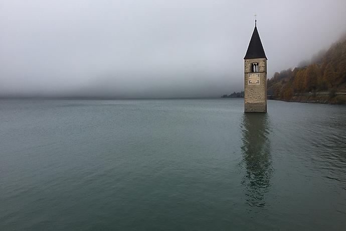 Ranking strasznych miejsc w Europie - Jezioro Reschen, Bolzano