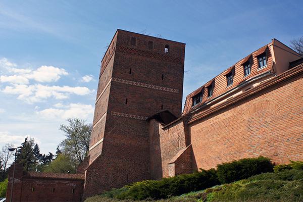 Atrakcje Torunia - Krzywa Wieża