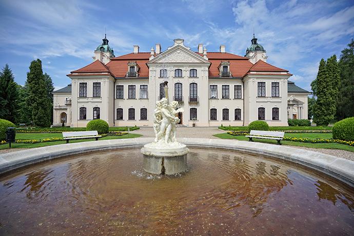 Wirtualna wizyta w muzeach i miejscach kultury w Polsce - Zamek Zamyskich w Kozłówce