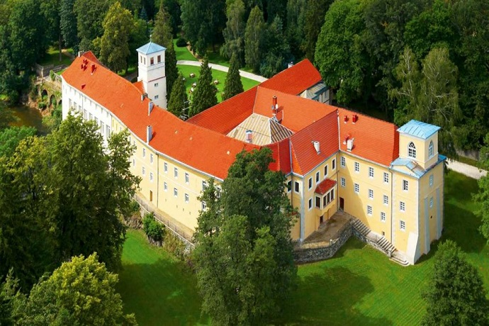 Hotele zamkowe w Polsce - Zamek na Skale ****